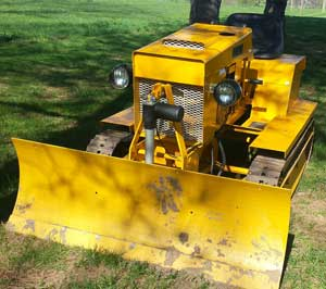 Struck-Dozer-plow_300x266