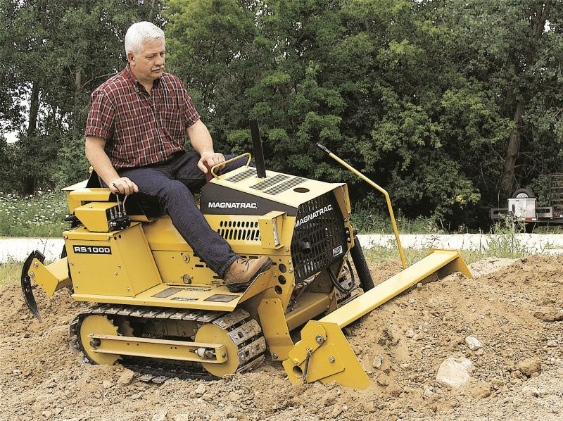 MAGNATRAC® RS1000 Mini Bulldozer