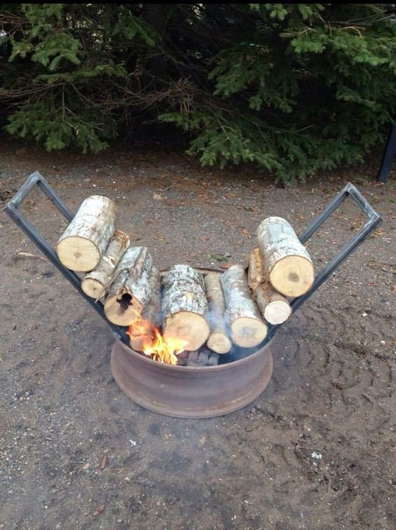 Self-Feeding Fire Pit