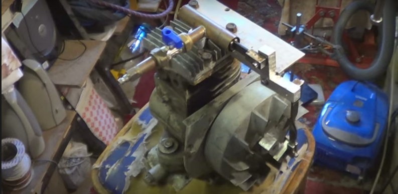 Lawnmower Engine to Running on Compressed Air