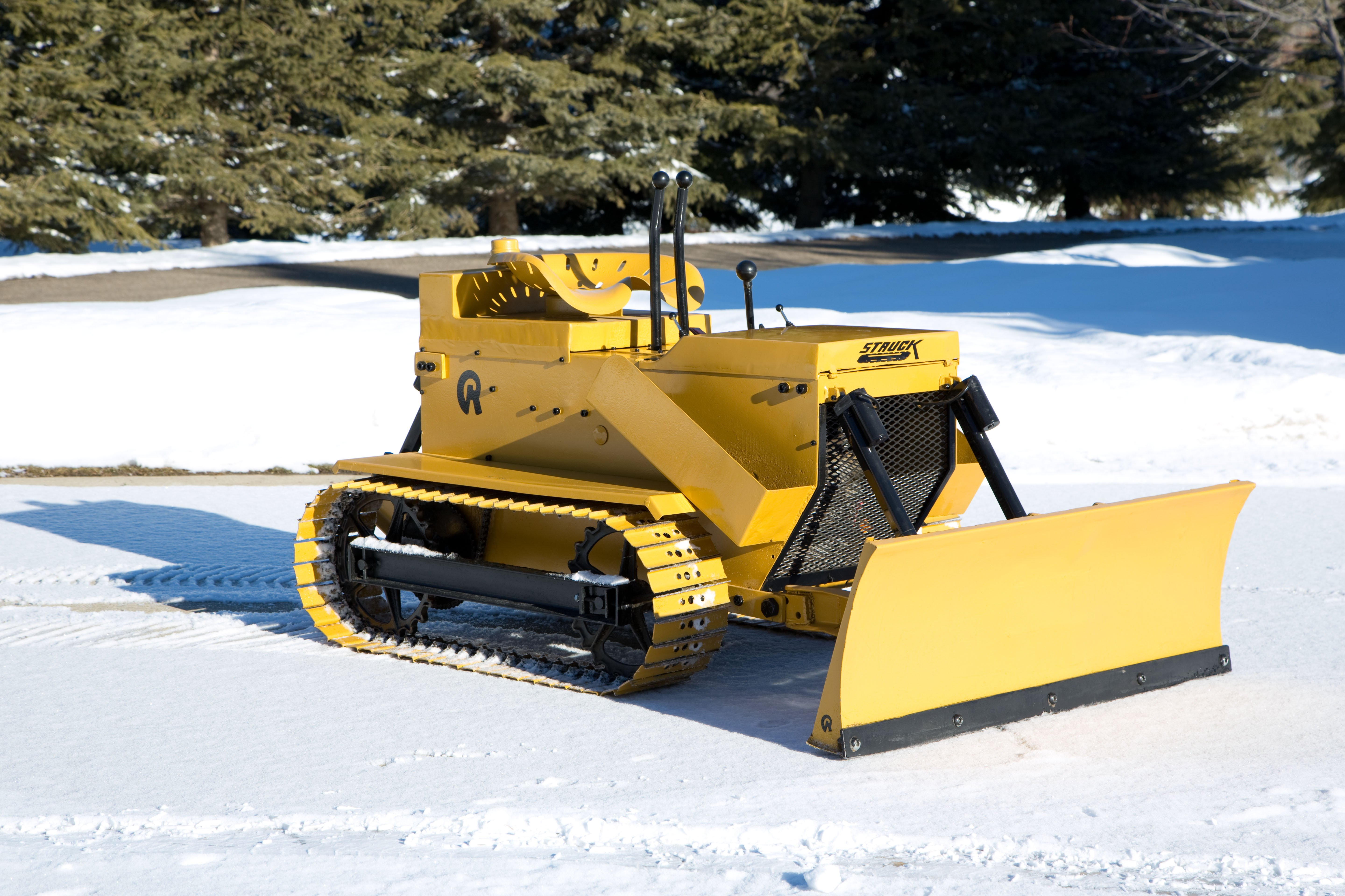 Images of Smallest Bulldozer - #rock-cafe