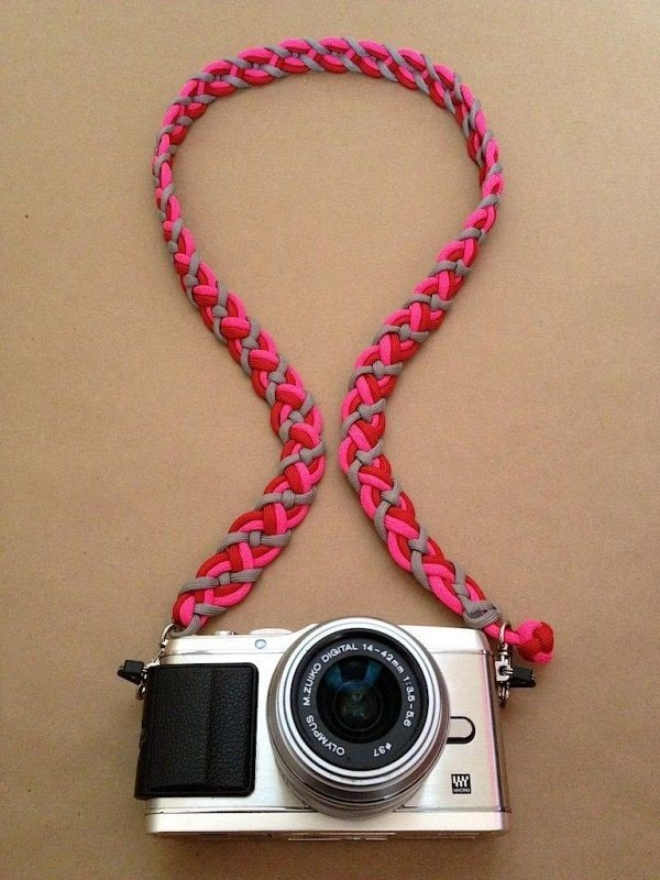 11 paracord projects for crafters kids and survivalists for Easy paracord lanyard