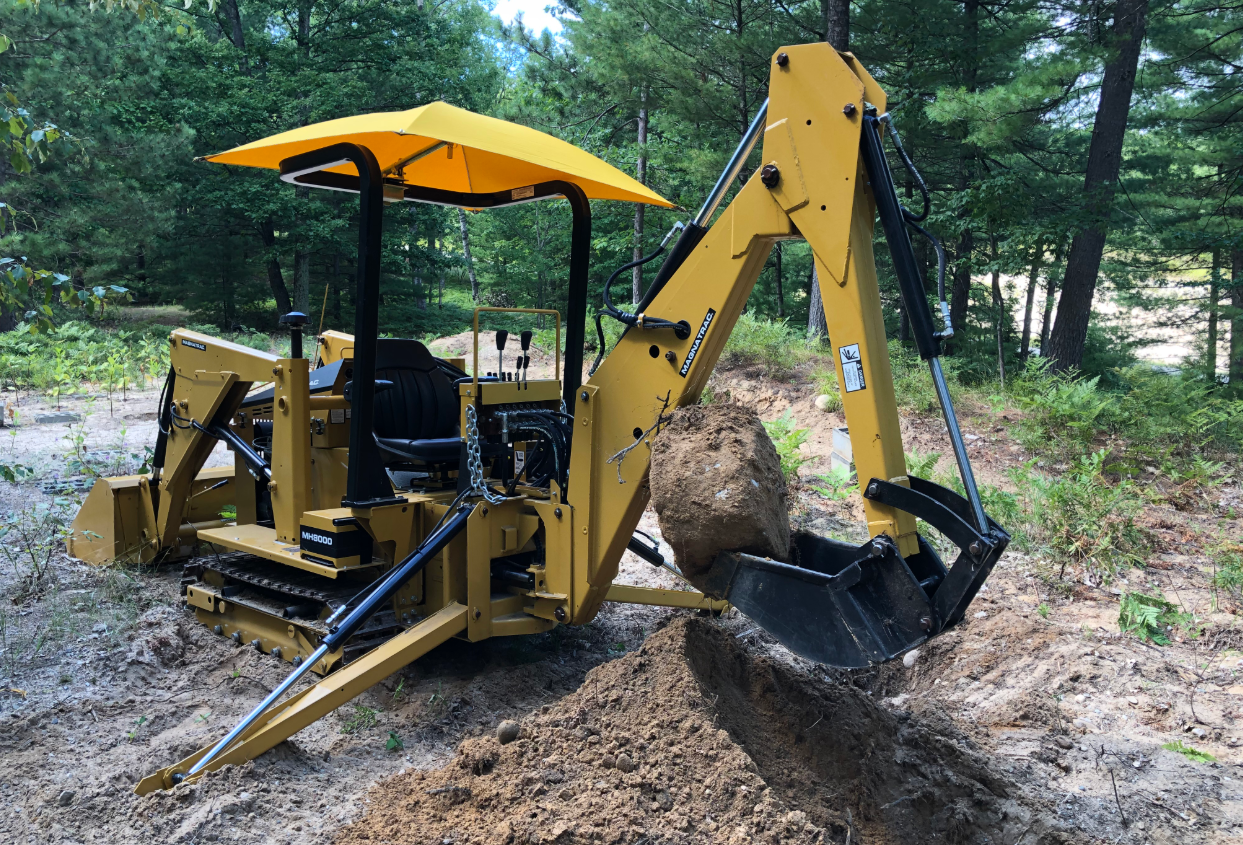 Customer Story: Joe Sings the Praises of the MAGNATRAC® Track Loader!